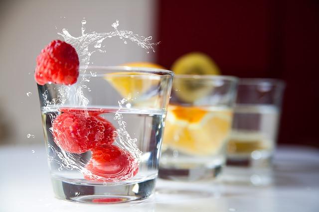 picie wody nawilży i ochroni przed wysuszeniem
