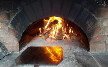 piec chlebowy opalany drewnem