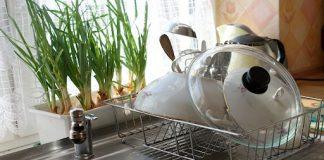 zlewozmywak w kuchni
