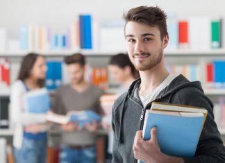 Jak budować zdolność kredytową na studiach?