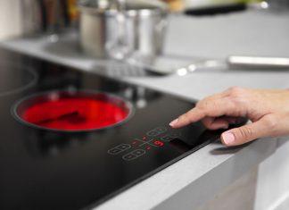 Kiedy warto zdecydować się na zakup kuchenki indukcyjnej? Poradnik