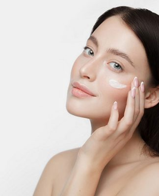 Jak pielęgnować skórę pod oczami