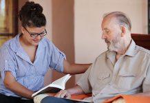 Jak powinna wyglądać opieka nad osobami starszymi