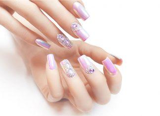 Przedłużanie paznokci akrylożelem na formie